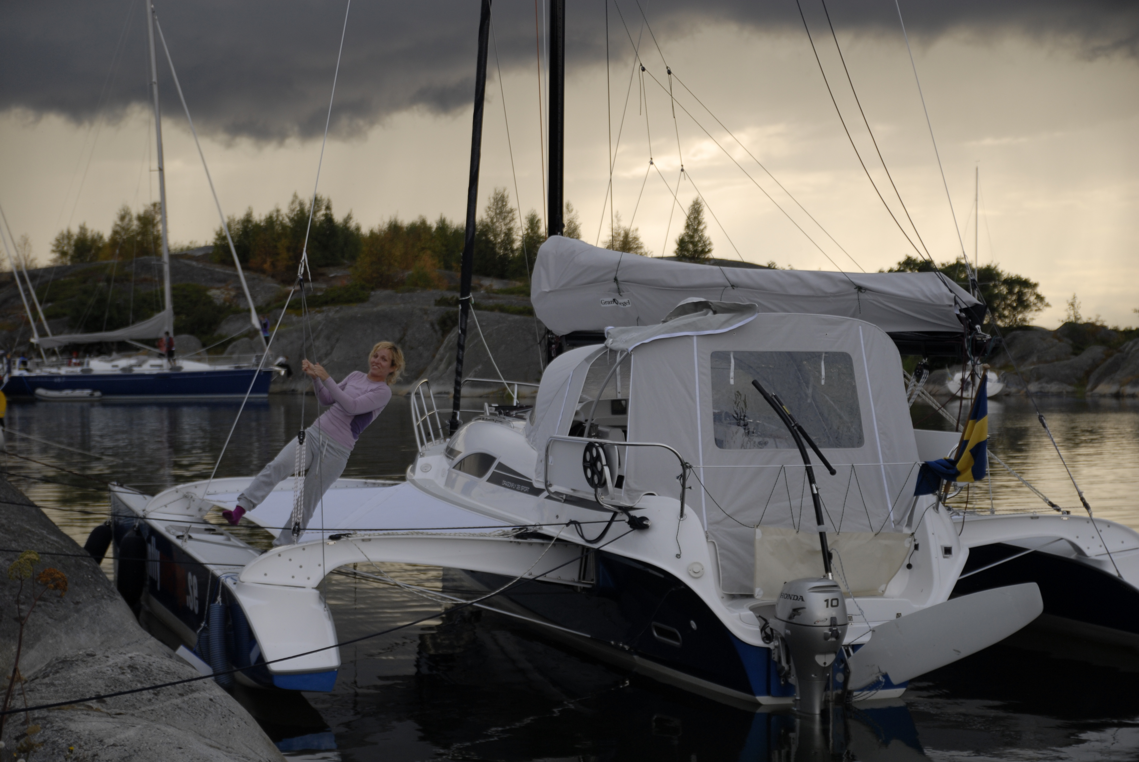 Charter a Dragonfly 28